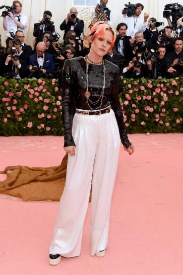 Kristen Stewart in Chanel-2