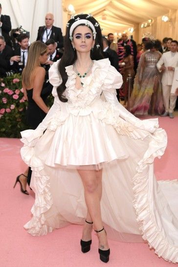Lily Collins in Giambattista Valli Spring 2019 Couture-1