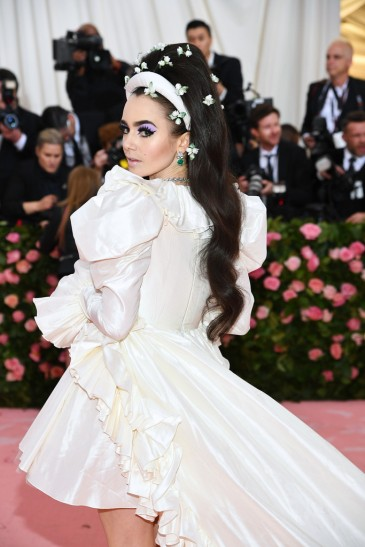 Lily Collins in Giambattista Valli Spring 2019 Couture-3