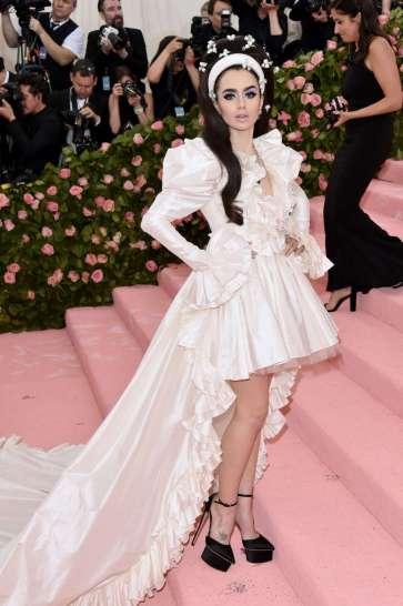 Lily Collins in Giambattista Valli Spring 2019 Couture-4