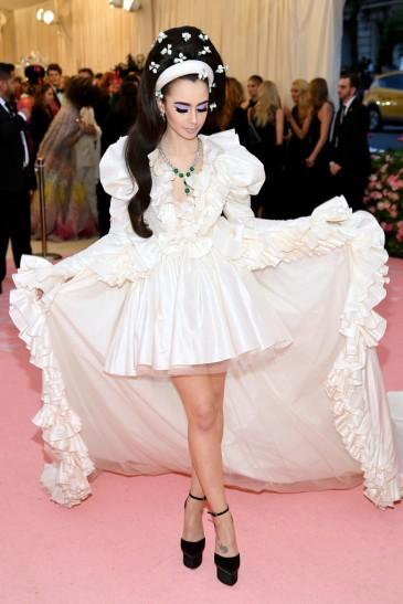 Lily Collins in Giambattista Valli Spring 2019 Couture-6