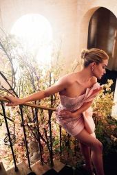 Rosie Huntington-Whiteley Harper's Bazaar UK June 2019-1