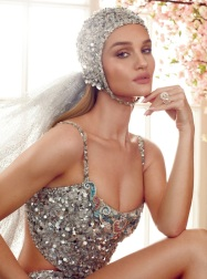 Rosie Huntington-Whiteley Harper's Bazaar UK June 2019-10