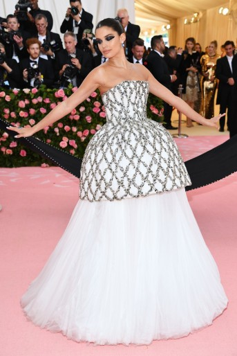 Sara Sampaio in August Getty Atelier Spring 2019 Couture-3