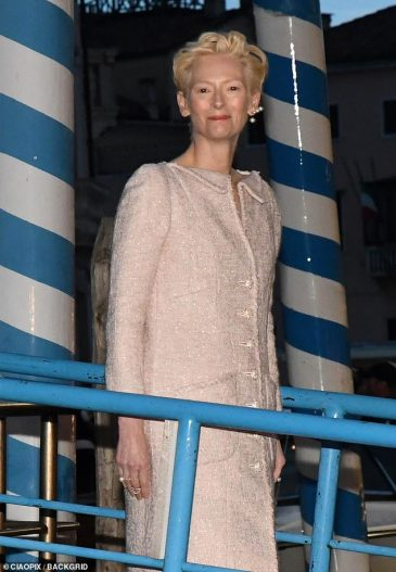 Tilda Swinton in Chanel Spring 2019 Couture-4