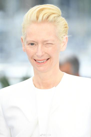 Tilda Swinton in Haider Ackermann Fall 2019-1