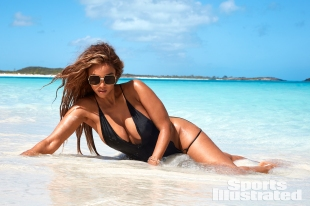 Tyra Banks Sports Illustrated Swimsuit 2019-31