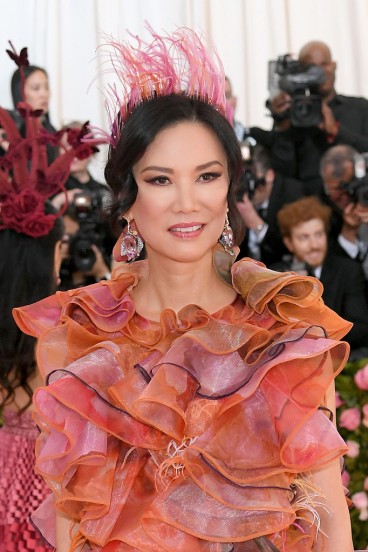 Wendi Deng Murdoch in Mary Katrantzou Fall 2019-1