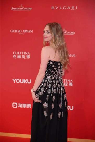 Amanda Seyfried in Givenchy Fall 2019-2