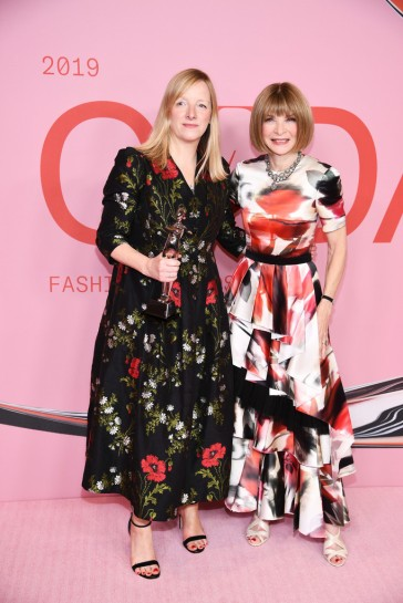 Anna Wintour in Alexander McQueen Fall 2019-4