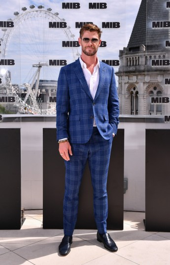 Chris Hemsworth in Paul Smith-1