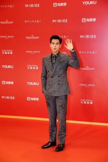 Eddie Peng in Berluti Fall 2019 Menswear-2