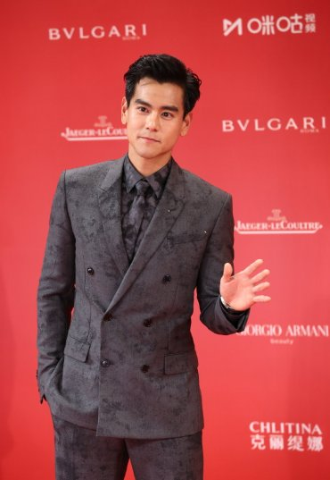Eddie Peng in Berluti Fall 2019 Menswear-4