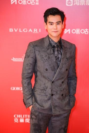 Eddie Peng in Berluti Fall 2019 Menswear-5