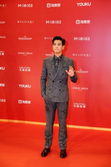 Eddie Peng in Berluti Fall 2019 Menswear-7