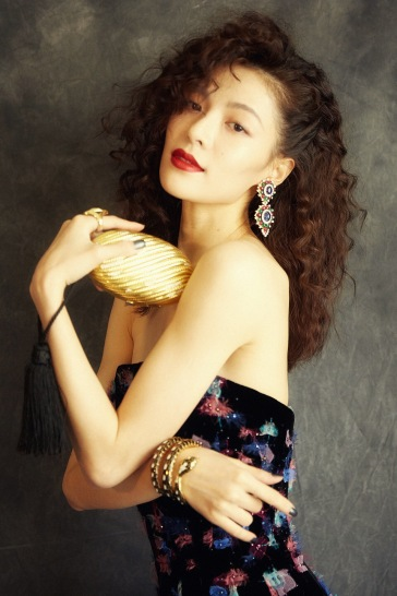 Elaine Zhong in Armani Privé Fall 2018 Couture-5