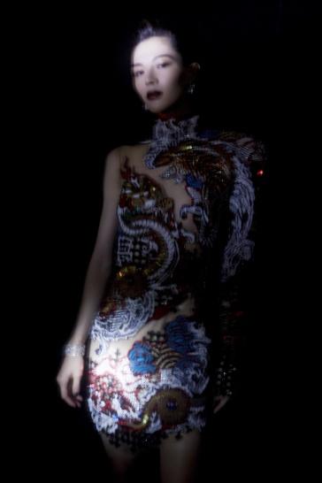 Elaine Zhong in Balmain Pre-Fall 2019-5