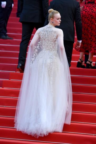 Elle Fanning in Reem Acra Bridal Fall 2019-4