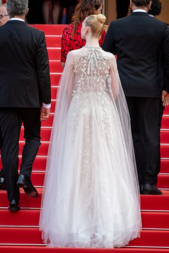 Elle Fanning in Reem Acra Bridal Fall 2019-7