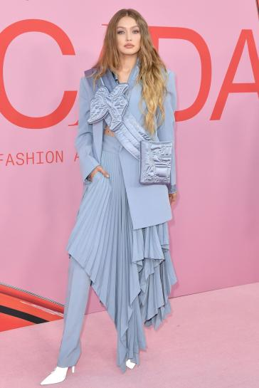 Gigi Hadid in Louis Vuitton-1