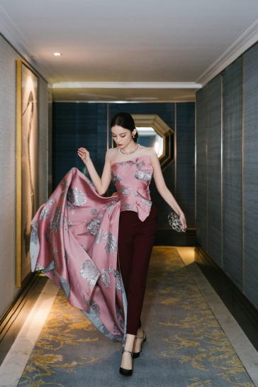 Gulinazha in Alexander McQueen Pre-Fall 2019-2