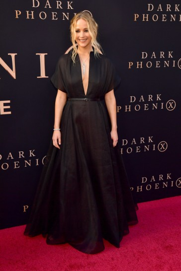 Jennifer Lawrence in Dior Resort 2020-5