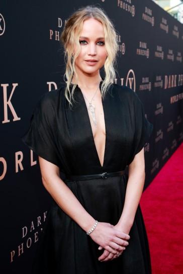 Jennifer Lawrence in Dior Resort 2020-6