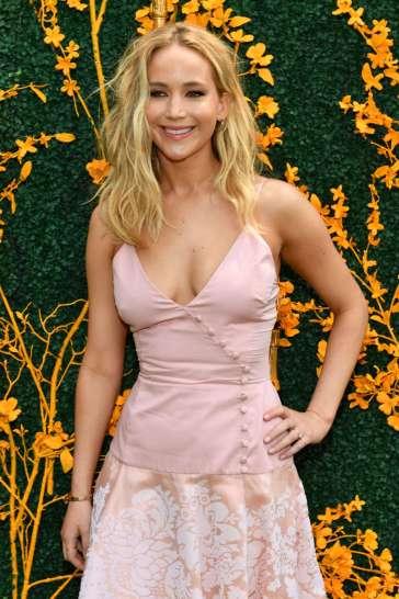 Jennifer Lawrence in Rosie Assoulin-4