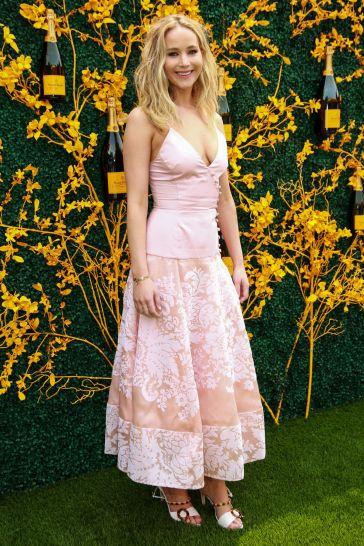 Jennifer Lawrence in Rosie Assoulin-5