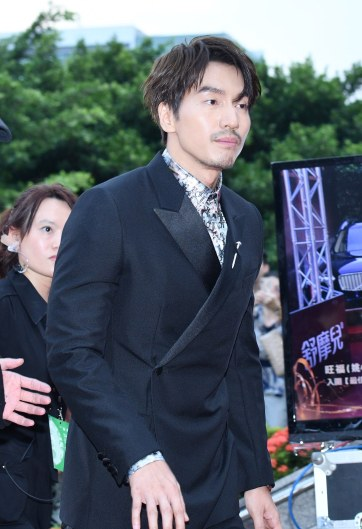 Jerry Yan in Dior Men Pre-Fall 2019-2