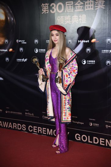 Jolin Tsai in Gucci Pre-Fall 2019-4