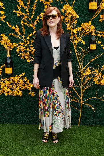 Julianne Moore in Givenchy Pre-Fall 2019-5