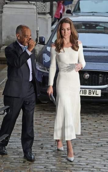 Kate Middleton in Barbara Casasola Spring 2016-5