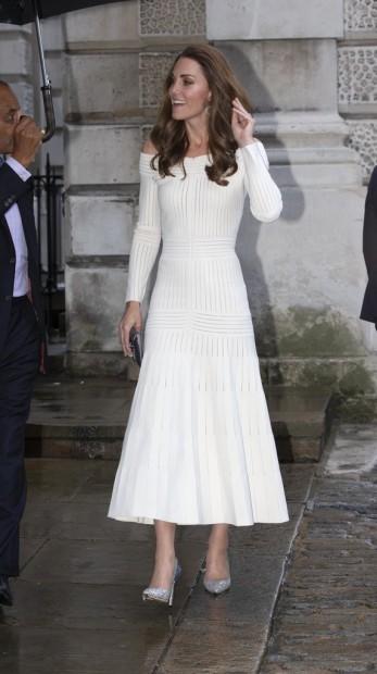 Kate Middleton in Barbara Casasola Spring 2016-6