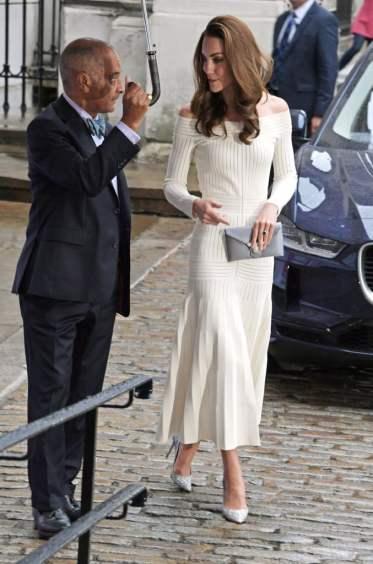 Kate Middleton in Barbara Casasola Spring 2016-9
