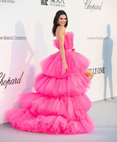 Kendall Jenner in Giambattista Valli x H&M-7