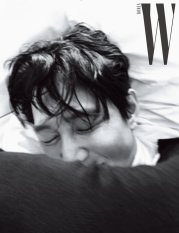 Lee Jung Jae for W Korea July 2019-11