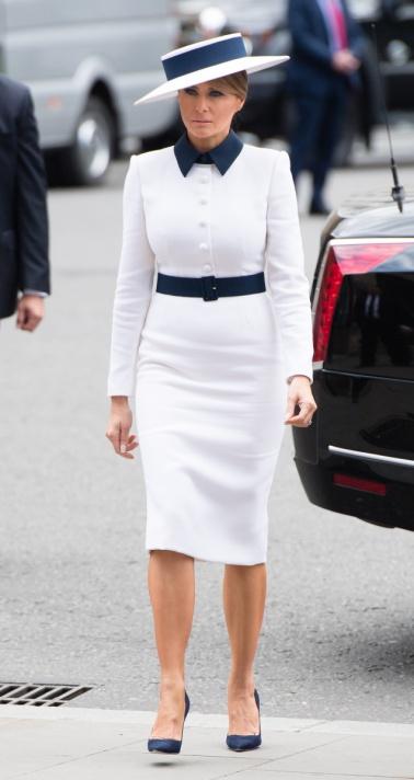Melania Trump in Dolce & Gabbana-11