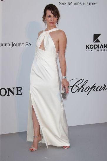 Milla Jovovich in Celine-3