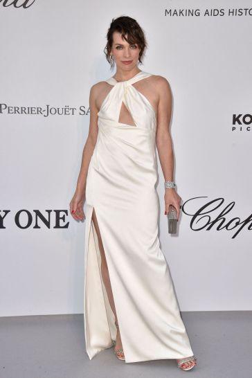 Milla Jovovich in Celine-4