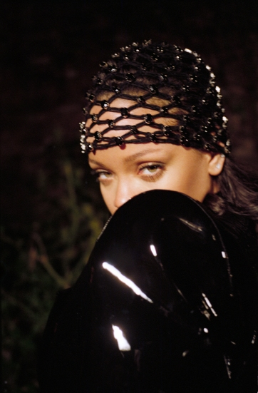Rihanna Interview Magazine Summer 2019-3