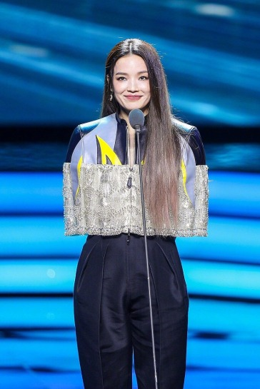 Shu Qi in Louis Vuitton Resort 2020-3
