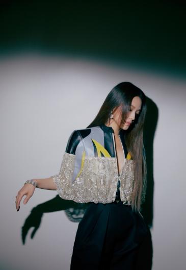 Shu Qi in Louis Vuitton Resort 2020-6