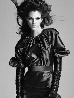 Vittoria Ceretti Vogue Japan August 2019-8