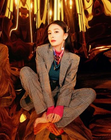 Yang Mi in Versace Fall 2019-1