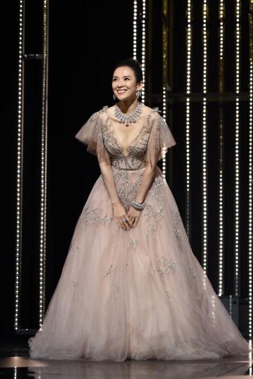 Zhang Ziyi in Monique Lhuillier Fall 2018-15