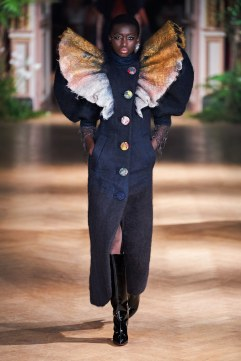 Viktor & Rolf Fall 2019 Couture Look 6