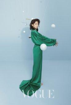 Vivian Hsu for Vogue Taiwan July 2019-10