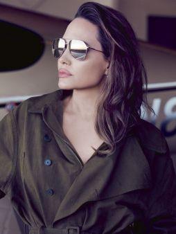 Angelina Jolie for ELLE US September 2019-7