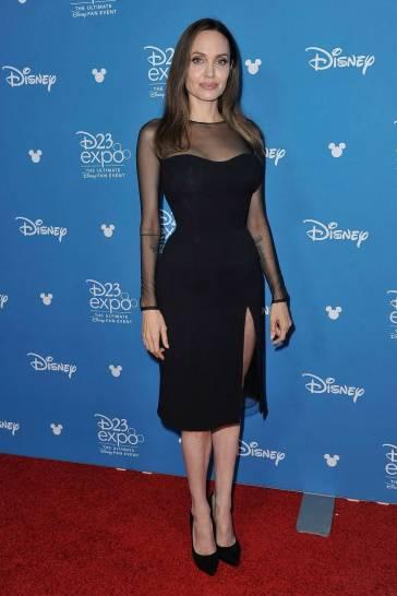 Angelina Jolie in Atelier Versace-9